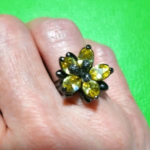 NWOT Lia Sophia Hematite Ring Size 8